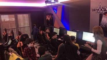 Beyoğlu Belediyesi'nden Genç Yazılımcılara Tam Destek